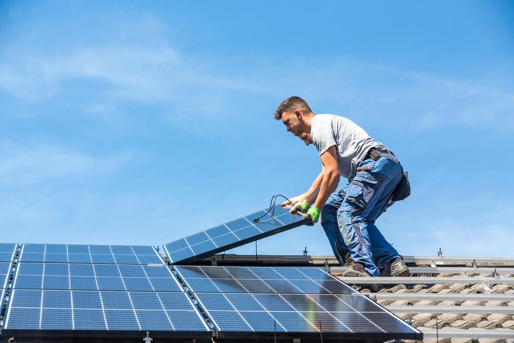 Avoir recours aux panneaux solaires un investissement rentable et innovant